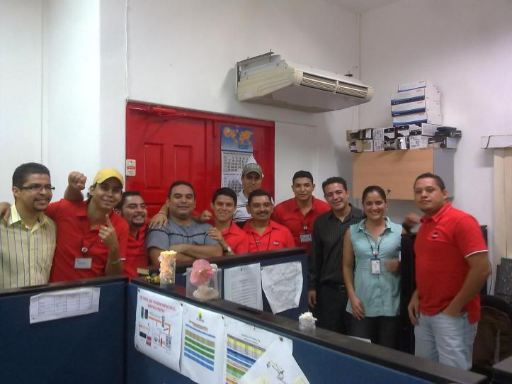 KGADEA NWT Equipo de trabajo